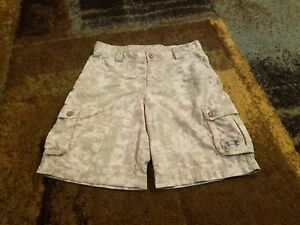 YOUTH BOYS UNDER ARMOUR TAN CAMO CASUALGOLF SHORTS SIZE LARGE