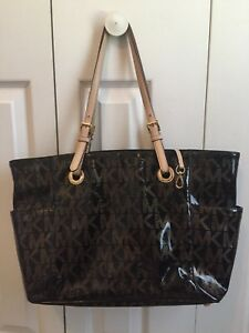 MICHAEL KORS Black Patent Leather Monogram Jet Set Tote Handbag Purse