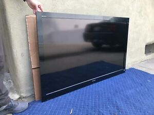 Sony Bravia EX700 Series 60-Inch LCD w LED back-lighting HDTV - Excellent Cond!