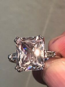 Stunning Diamond Sparkle 8ct. Engagement Ring wsidestones 18k White Gold 925