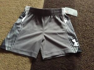 Toddler boys Under Armour shorts size 2T(NWT)