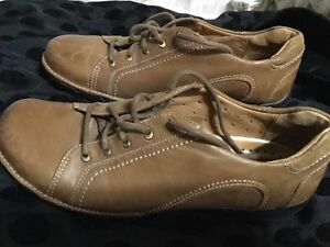 Unstructured Clarks Oxfords Shoes Lace Ups Tan Beige Womens 9 $14.97