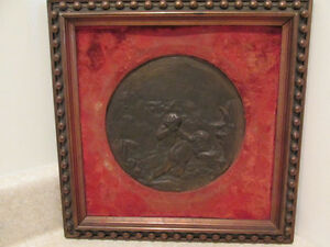S38 antique bronze metal  plaque round in a frame to hang