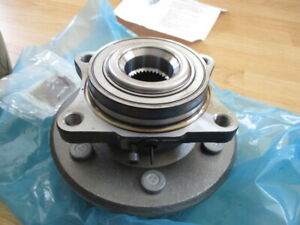 NOS OEM REAR WHEEL HUB 2005 06 LINCOLN NAVIGATOR FORD EXPEDITION 6L1Z 1109 AA $200.00