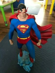 Sideshow Collectibles Justice League Superman Premium Format 614 of 2500
