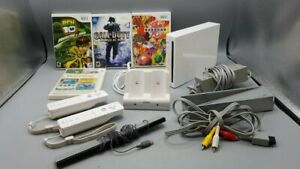 Nintendo Wii Console with 4 Games and accessories