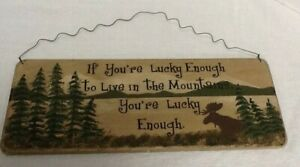 Mountain Home Lodge Cabin Sign Rustic Distressed Style 17 x 6.5 Inch Wire Hanger