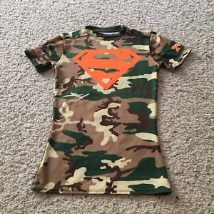 Superman Boys YSM Youth Small UNDER ARMOUR Camo Fitted HeatGear T-Shirt Tee