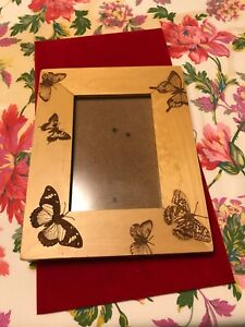 "9 By 7"" Wood Picture Frame Pre Owned"