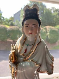 LARGE CHINESE REPUBLIC PERIOD HAND PAINTED PORCELAIN ANTIQUE GUANYIN STATUE