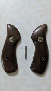 Vintage FACTORY ORIGINAL SMITH & WESSON w/PIN WOOD GRIPS J Frame Round Butt S&W