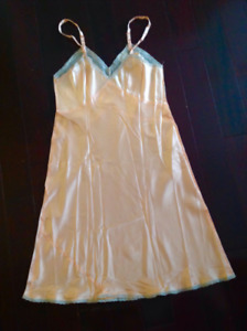 Unused antique 1940s rayon slip - original label - Femicraft - Imperial - mint c