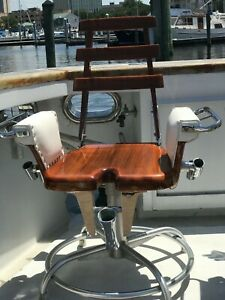PortableTeak fighting chair. good condition