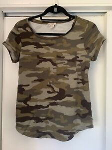 Camouflage Women#x27;s Short Sleeve Casual Crew Neck Tee Shirt  Great Condition
