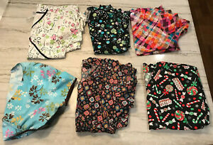Lot of 6 Women Medical Scrubs Tops Size Small Christmas Flowers Various Patterns
