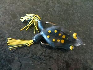Vintage Topwater Frog - Yellow & Black - 2 12 inch