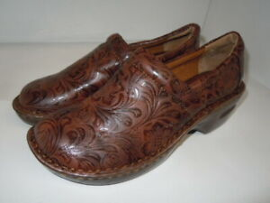 B.O.C Born Of Concept quot;Peggyquot; Brown Embossed NURSING CLOG Size 9.5