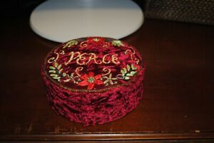 RED FELT VINTAGE SMALL SEWING BOX 5quot; DIAMETER quot;PEACEquot; CHRISTMAS $6.99