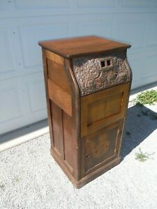 Rare  Caille - Auto Muto Oak Wood Cabinet and Cast Iron Face Plate /  Mutoscope