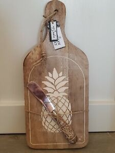 New Artisan Market Rustic Wood Pineapple Cutting Cheese Board Knife Spreader