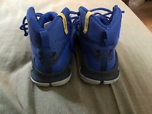 Blue Pre owned Under Armor Shoes Size 11.5k $12.99
