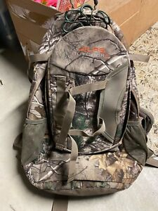 Alps OutdoorZ Pursuit Bow Hunting Backpack Realtree