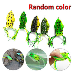 5* Fishing Lures Frog Topwater Crankbait Hooks Bass Bait Tackle Brand New