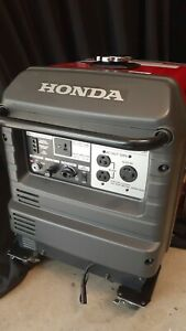 2015 Honda EU3000IS Portable 120V 3000 Watt Generator Inverter Gas 2HP bidadoo