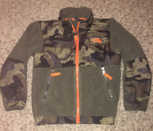 North Face Boys Camo Fleece Winter Coat Size 4T Jacket VERY GOOD PREOWNED $19.99