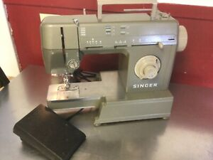 Singer HD110C Sewing Machine Heavy Duty with Light and Foot Pedal Working $149.99