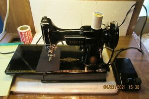 Gently Pre Owned Singer 221 Featherweight Sewing Machine 1957 AM671092 $700.00