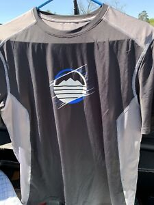 Under Armour Mens Dry Fit Shirt Size Large $6.30