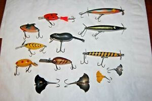 Lot of 13 Vintage Lures Heddon Paw Paw Baby Bat Thin Fin VG to EX