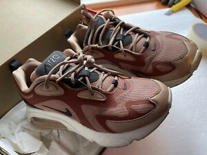 Nike Air Max 200 Metallic RED Bronze Women's US size 7.5 Preowned Used Sneakers