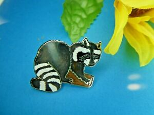 Old Vintage signed MAFCO Enamel RACCOON Figural Animal Brooch Pin Collectable $6.99