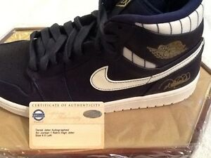 DEREK JETER STEINER AUTOGRAPH  AIR JORDAN 1 RETRO HIGH JETER NIKE SNEAK