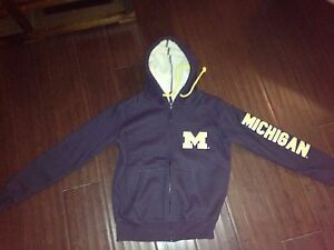 University of Michigan Mens Small Sherpa Jacket . Hoodie Hat Spartans New Gift