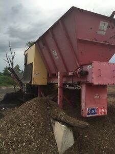 2005 Amerimulch Mulch Color Machine with 25' Stacking Conveyor