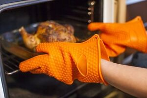 Heat Resistant Oven & BBQ gloves for Grilling, Baking & other household tasks