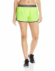 Under Armour Womens Perfect Pace Short Fuel Green 363 Medium