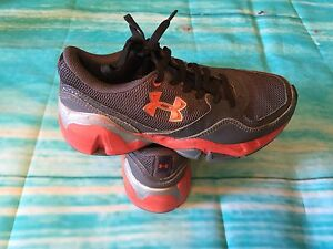 BOY'S UNDER ARMOUR STRIVE 11 RUNNING SHOES GRAY ORANGE SIZE 1 YOUTH