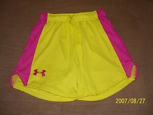 Girl's Yellow Under Armour Loose Heat Gear Shorts Size Youth XS