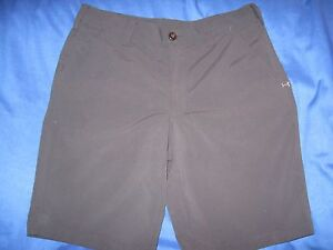 UNDER ARMOUR GOLFCASUAL SHORTS MENS SIZE 34  BLACK NICE  LQQK