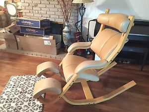 Leather Lounge Recliner Chair Wooden Leather Tan Camel Couch Sofa Comfortable