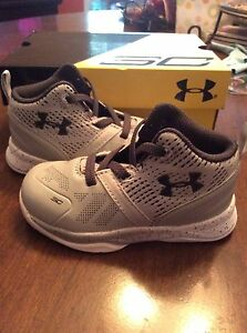 toddler boy shoes size 6 steph curry under armour grey and white