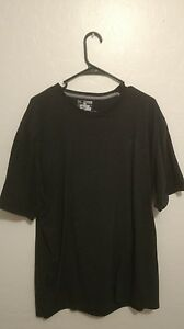 MEN'S  UNDER ARMOUR HEAT GEAR BLACK  T-SHIRT LOOSE 2XL