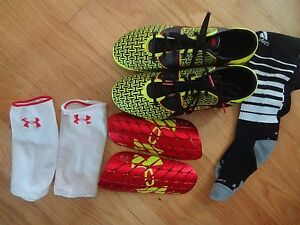 UNDER ARMOUR SOCCER CLEATS YOUTH MEN SIZE 9 SHIN GUARDS & SOCKS EQUIPMENT
