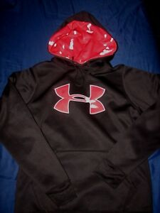 UNDER ARMOUR MENS  SZ XS LOOSE FIT BLACK RED CAMO UA PULL OVER HOODIE