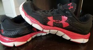 Boys Under Armour Shoes size 1y!