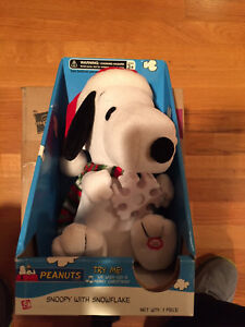 Christmas Dancing Snoopy Plays We Wish You A Merry Christmas w Lighted Snowflake